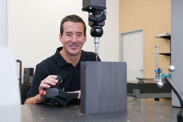 Composant d'implantation ionique en graphite