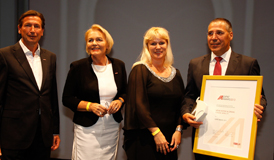 Peter Aldrian with the WKO expat award